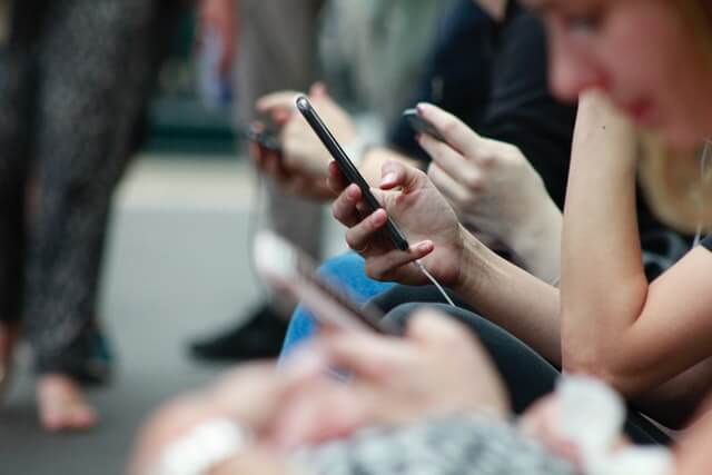 Use-Mobile-Phones